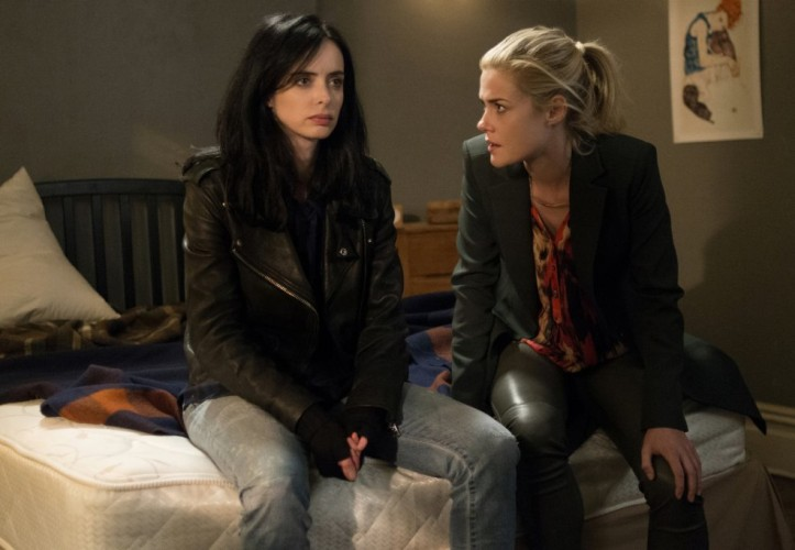Jessica Jones (Krysten Ritter) and her adopted sister, Trish Walker (Rachael Taylor). (Netflix)