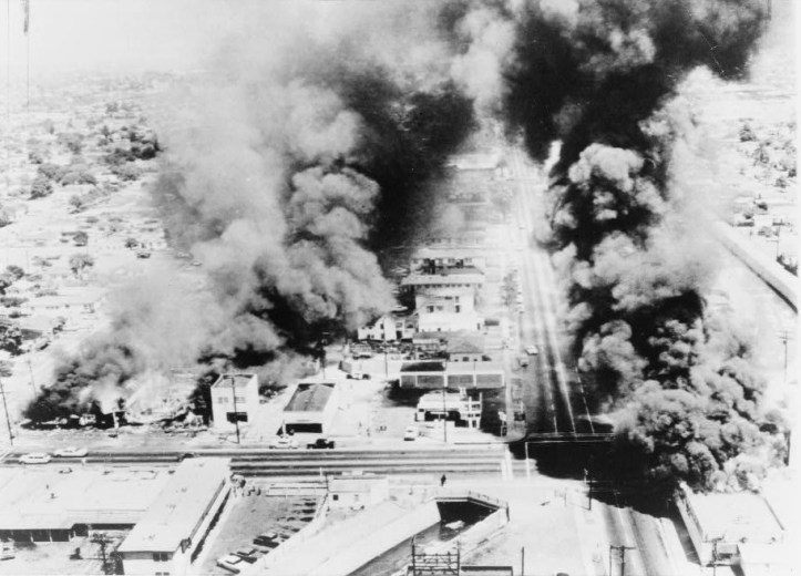 Buildings burning during the 1965 Watts rebellion. (Library of Congress)