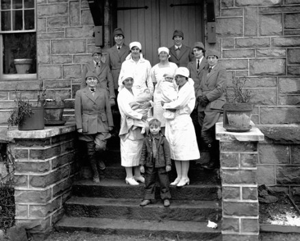 A group of nurse-midwives and hospital nurses of the Frontier Nursing Service, c. 1930. (Caufield & Shook Collection, Special Collections, University of Louisville, Louisville, Kentucky)