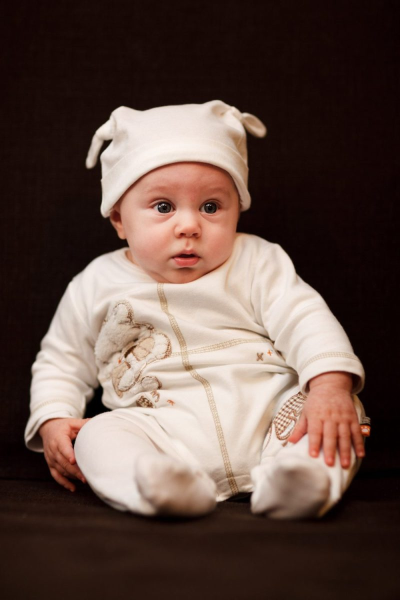 newborn baby boy - baby boy onesies viawww.publicdomainpictures.net