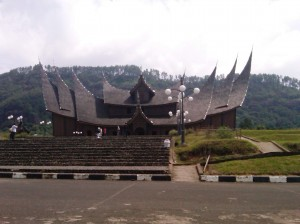 Istana Paggaruyung Sumbar (foto Suprihardjo)