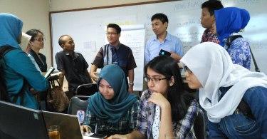 Suasana pelatihan jadi pengusaha kerja sama PT Inapen & President University (foto: Nur Terbit)