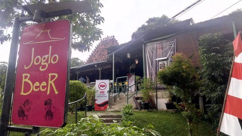 Lokasi acara, antik (foto Nur Terbit)