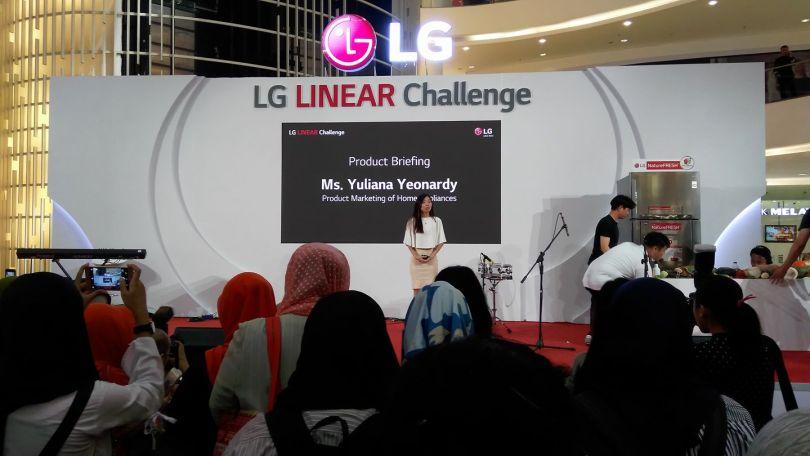 saat acara launching kulkas LG di Atrium Senayan City Mal, Jakarta, Jumat 21 Juli 2017 (foto Nur Terbit)