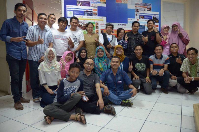 Foto bersama pemberi materi, kang Arul (foto Blogdetik)