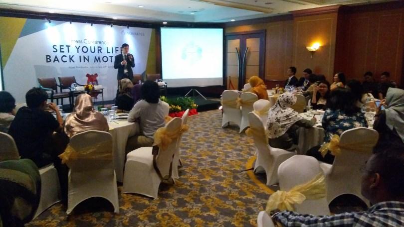 Suasana presscom di Hotel Borobudur Jakarta (foto : Nur Terbit)