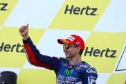 Jempol Jorge Lorenzo Selebrasi Podium Silverstone MotoGP 2014