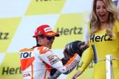 Marc keren Selebrasi Podium Silverstone MotoGP 2014