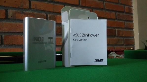Asus ZenPower Powerbank seukuran Kartu Kredit