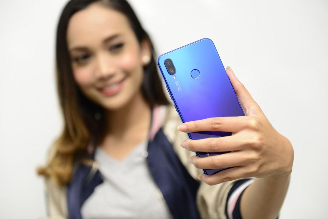 Huawei Nova 3i Warna Biru Gradient Keren