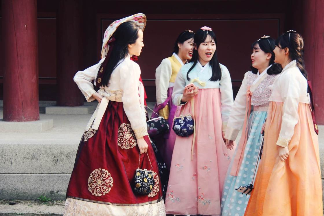 Korean girls wearing hanbok