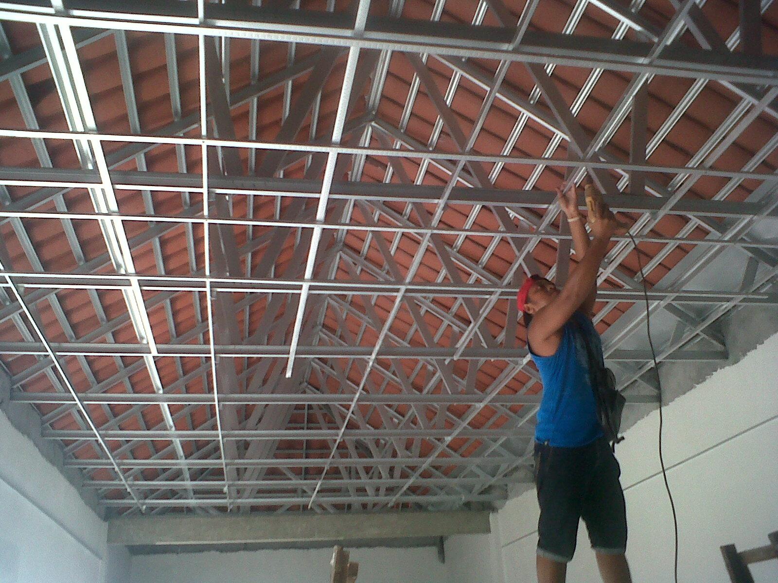 memasang plafon baja ringan project pemasangan gypsum di wringin anom gresik