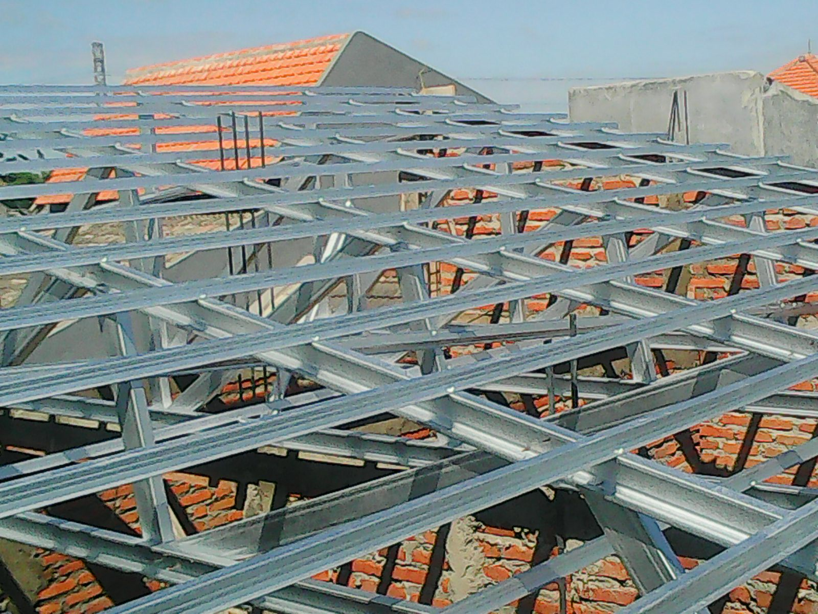 toko athiya gypsum & baja ringan kabupaten kudus jawa tengah pemasangan rangka atap galvalum di perumahan dua