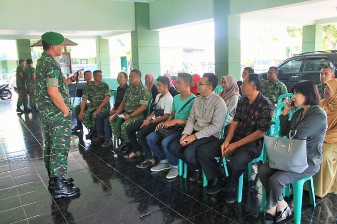 Dandim 0824 Jember Letkol Inf Muhammad Nas melepas Tim Lomba wakil Kodim 0824/Foto Sis24