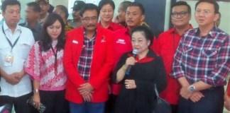 Megawati Soekarnoputri Dampingi Ahok ke KPU/Foto via kompas.com