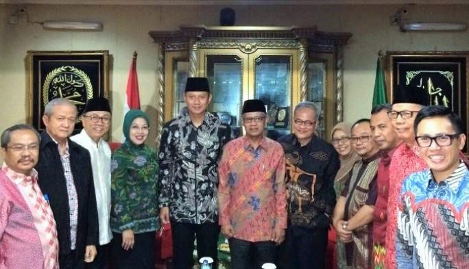 Cagub-Cawagub DKI Agus -Sylviana Bersama Ketua Umum PP Muhammadiyah di PP Muhammadiyah/Foto Ahmad/Ist