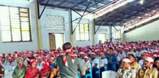 Danrem 161Wira Sakti Brigjen TNI Heri Wiranto Saat Memberikan Pembekalan Wawasan kebangsaan dan nasionalisme kepada pelajar di Flores Timur. Foto Dok. TNI AD