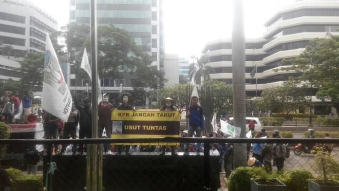 KAMMI Demo di depan Gedung KPK/Foto Radilah/ Nusnataranews