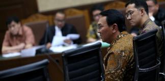 Basuki Tjahaja Purnama saat menjadi saksi dalam persidangan dengan terdakwa mantan Presiden Direktur PT Agung Podomoro Land. Foto dok. Kompas