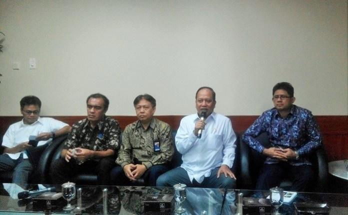 Menristekdikti Mohamad Nasir saat konferensi pers di Kantornya, Jakarta Selatan, Jumat, (4/11/2016)/Foto Fadilah / Nusantaranews