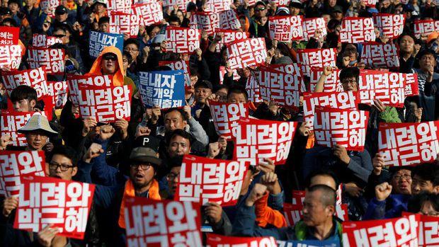 Lautan Manusia Penuhi Kota Seoul, Menuntut Agar Presden Korsel Mundur. Foto via Reuters