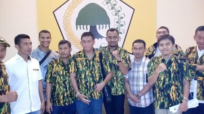 Pusat Angkatan Muda Partai Golkar (DPP AMPG) mengadakan kegiatan test urine. Foto Yamin/Nusantaranews