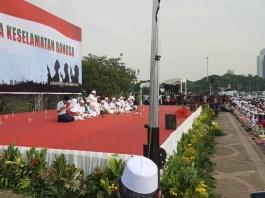 Ribuan TNI-Polri dan Masyarakat gelar Istighosah bersama di Monas. Foto Dok. Habib Luthfi Yahya