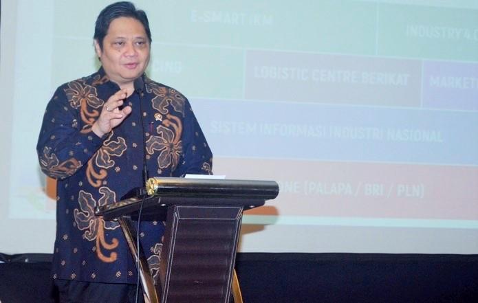 Menperin Airlangga Hartarto saat jadi Pembicara Kunci pada FGD Industri Pilihan KEIN dalam Kerangka Strategi Industrialisasi Indonesia 2045 (Roadshow I - IPB), Bogor, Jumat (9/12)/Foto : Dok. Humas Kemenperin