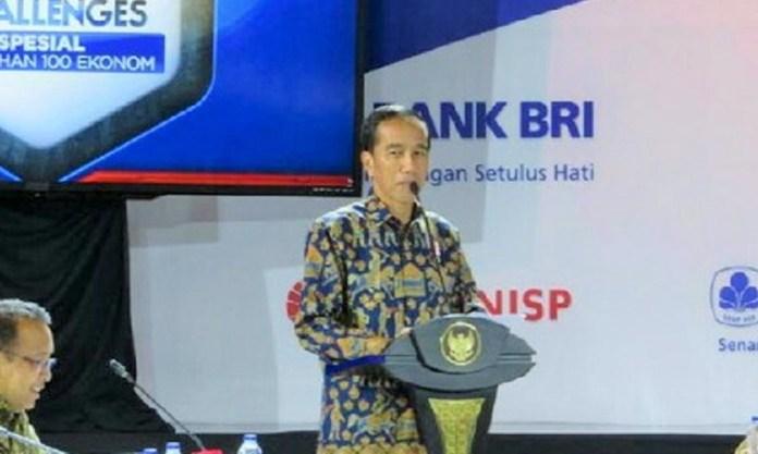 Presiden Jokowi pada acara Sarasehan 100 Ekonom Indonesia di Hotel Fairmont, Jakarta, Selasa (6/12/2016)/Foto Andika / NUSANTARAnews