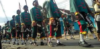 Para pasukan bergodo yang mengawal arak-arakan festival budaya pada kirab budaya di kawasan Babadan, Banguntapan, Bantul pada Jumat (16/12/2016)/Foto Eriec /NUSANTARAnews