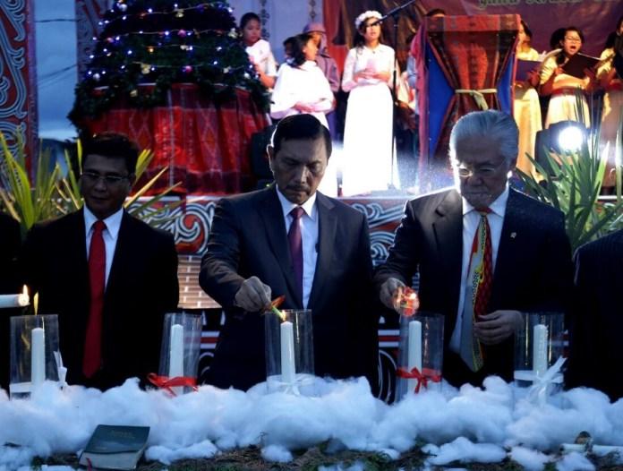 Menteri Koordinator Bidang Kemaritiman, Luhut Binsar Pandjaitan Saat Perayaan Natal. Foto Fadilah/Nusantaranews