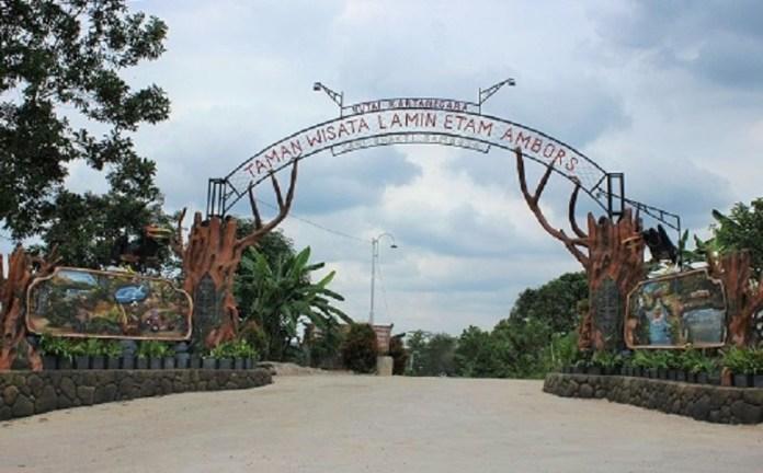 "Obyek wisata ""Lamin Etam Ambors"" ialah wahan Outbound dan Pemancingan yang terletak di desa Tani bhakti Km 28, Samboja , Kutai Kartanegara/Foto: Dok. visitingkutaikartanegara.com"