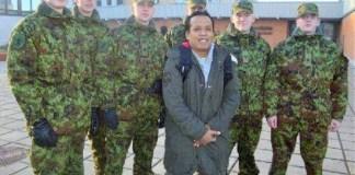 Agus Pramono atau Gus Pram (paling depan tanpa seragam militer)/Foto : Dok. nu.or.id