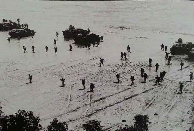 Pendaratan KKO AL di Pantai Indramayu tahun 1953/Foto: Dok. indomiliter