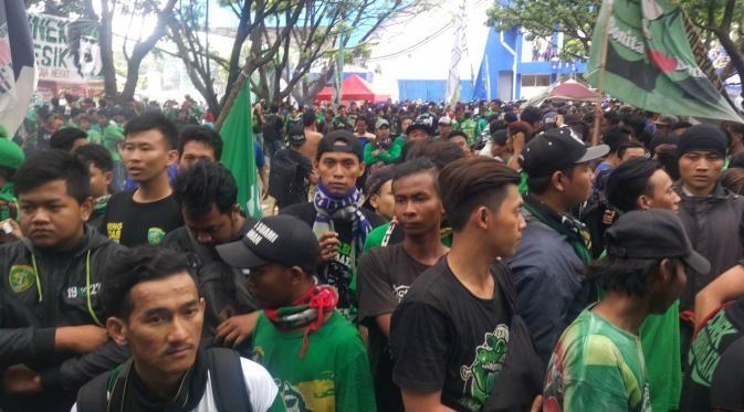 Ribuan Bonek Fans Persebaya Sambut Putusan PSSI. Foto IST