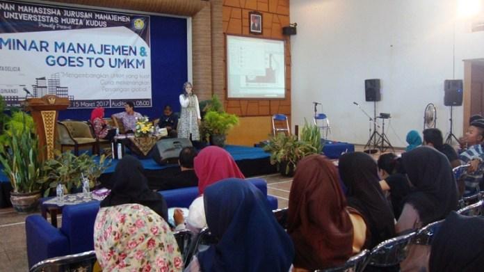 Seminar Manajemen dan Goes to UMKM bertajuk