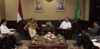 Menag Lukman saat menerima panitia kegiatan dan pengurus Konferensi Waligereja Indonesia (KWI) di Jakarta, Jumat (10/03)/Foto: Dok. Humas Kemenag