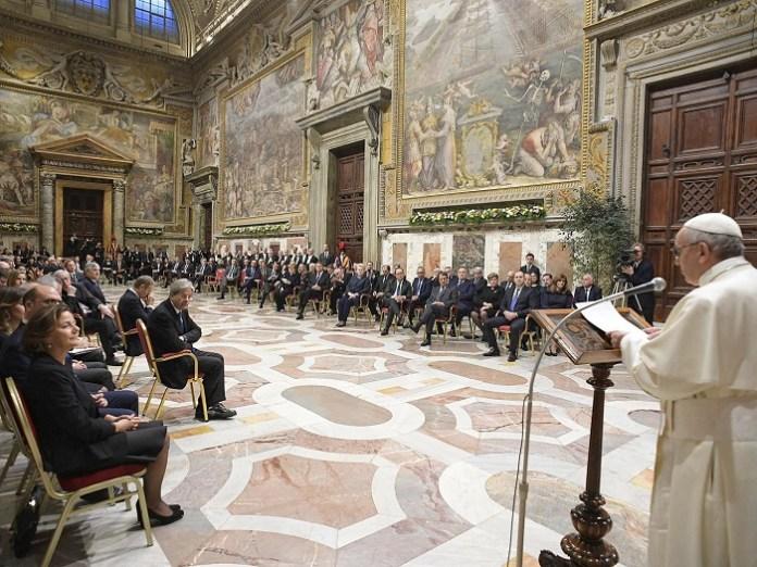 Paus Francis berbicara di Roma pada pertemuan puncak Uni Eropa/Foto GETTY