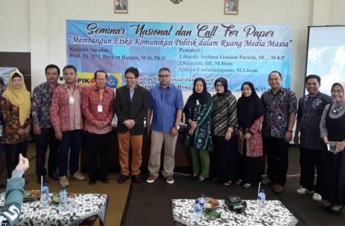 Para Akademisi Praktisi Ilmu Komunikasi dan Politik Berkumpul di Unirow, Tuban/Foto Dok. Pribadi/Nusantaranews
