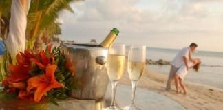 Liburan romantis bersama kekasih. Foto: Dok. Carefree Romantic Vacations