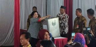 Megawati di TPS 027. Foto: Merdeka.com/Juven M Sitompul