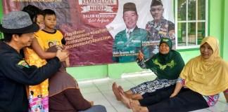 Masyarakat Lampung di sela-sela Baksos Penyembuhan Alternatif ATS Satkorwil Banser. Foto Syuhud Tsaqafi