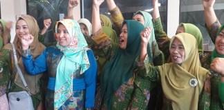 Forum Peduli Muslimat Jatim (FPMJT) dukung Khofifah maju jadi cawapres di pilpres 2019. Foto: Tri Wahyudi/ Nusantaranews.co