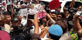 Demo untuk Rohingya di Depan Dubes Myanmar/Foto Ucok/Nusantaranews