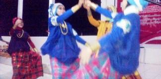 Pertunjukan Tari Kreasi Tanah Adat, Warisan Budaya Leluhur dari Kampung Tenro. Foto Fadly Syarief/NusantaraNews.co