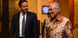 Menteri Perdagangan, Pariwisata, dan Investasi Australia Steven Ciobo dan Menteri Enggar. Foto: Dok . Flickriver