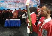 Pengesahan warga baruoleh Persaudaraan Pencak Silat OCC Pangastuti. (Foto Dok. Pribadi Nusantaranews)