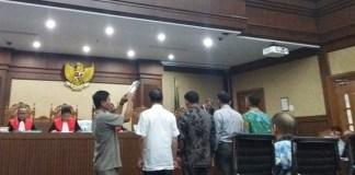 Setnov dan Ganjar Pranowo Batal Bersaksi di Sidang e-KTP, Senin, 10 Oktober 2017. Foto Restu Fadilah/ NusantaraNews