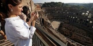 Colosseum atau Koloseum, atau Flavian Amphitheatre, sebuah bangunan bersejarah di Kota Roma, Italia. (Foto: Reuters)