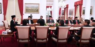 Suasana di hari pelantikan Anies Rasyid Baswedan dan Sandiaga Salahuddin Uno sebagai Gubernur dan Wakil Gubernur DKI Jakarta di Istana Negara, Senin sore (16/10/2017). Foto: Humas Kemensetneg